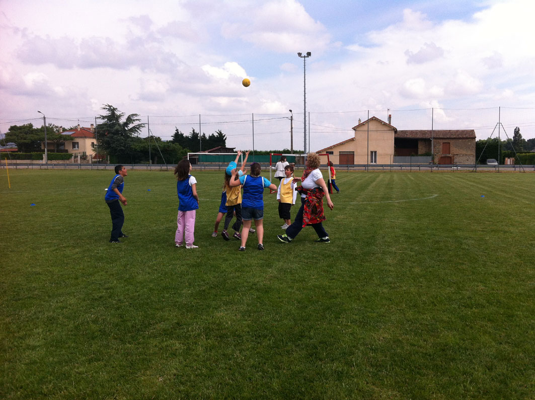 notre RENCONTRE HANDBALL VOLTAIRE au stade Coullaud